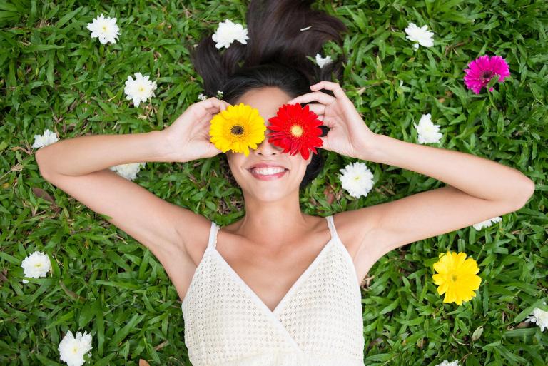 Frühling Frau mit Blumen