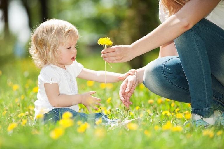 Welche Faktoren begünstigen die Entstehung einer Allergie im Kindesalter?