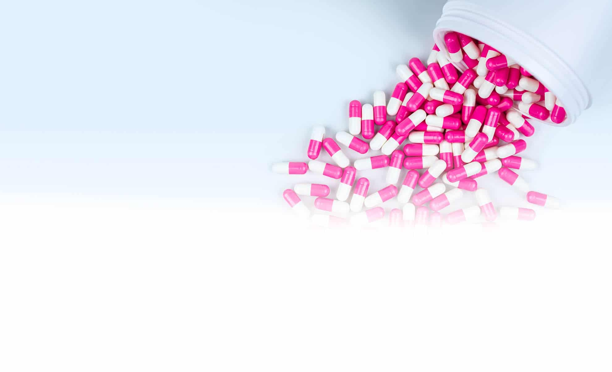 Ein Antibiotikum sollte man nur einnehmen, wenn es unbedingt notwendig ist: So selten wie möglich, aber so oft wie nötig. Wichtig ist, dass ein Antibiotikum nur eingenommen wird, wenn tatsächlich eine Infektion mit krankmachenden Bakterien vorliegt