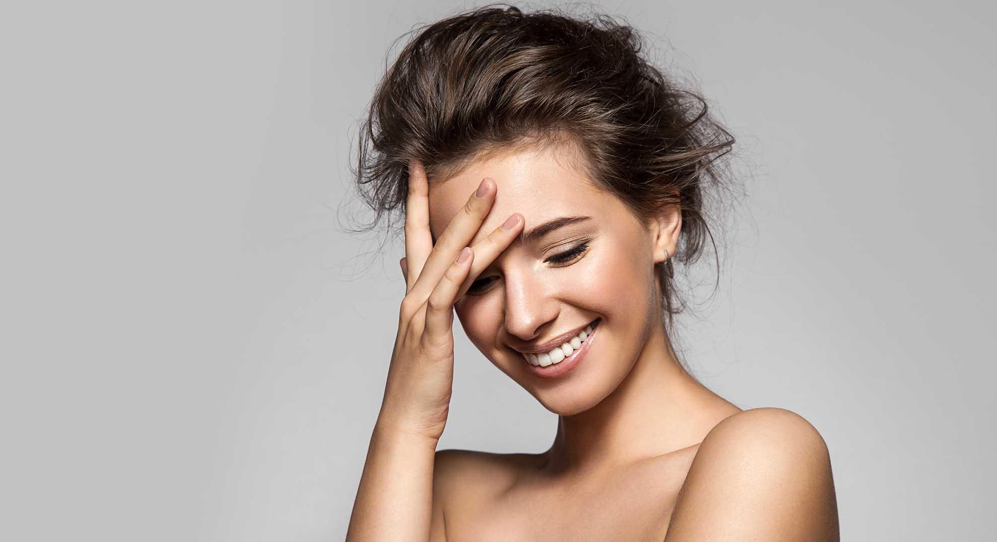 Gesunder Darm - gesunde Haut: Unsere Haut spiegelt den Zustand der Darmschleimhaut wider, denn Hektik und hastiges Essen schlagen auf den Magen.