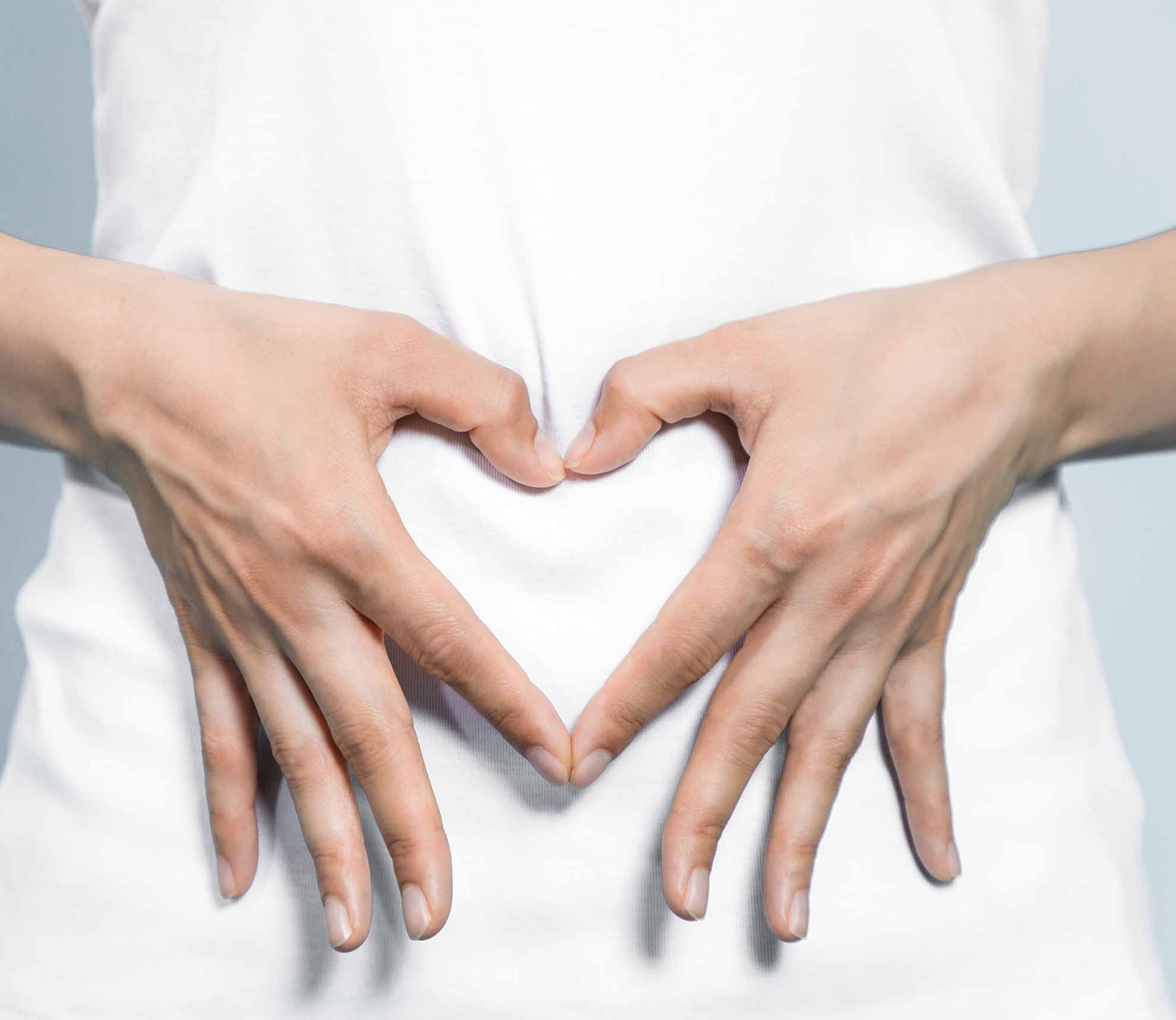 Hektik und hastiges Essen schlagen sich auf den Magen, eine ungesunde Ernährung und Bewegungsarmut machen den Darm träge. Dies hat aber auch große Auswirkungen auf unsere Haut, welche den Zustand der Darmschleimhaut außen widerspiegelt.