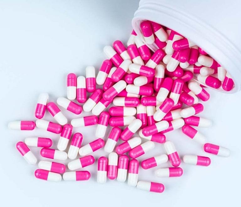 Je nach eingesetzter Wirksubstanz können Antibiotika bei bis zu 50 % der Anwender Durchfall auslösen. Doch wie kann ein Antibiotikum Durchfall auslösen?